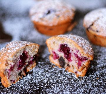 Muffini s višnjama i čokoladom