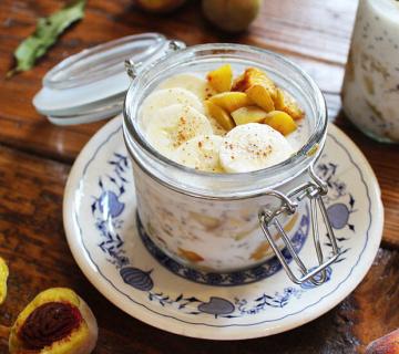 Chia puding s jogurtom i breskvama