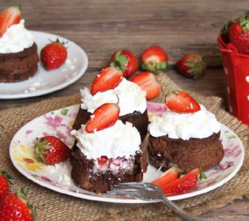 Tortice s jagodama i bijelom čokoladom
