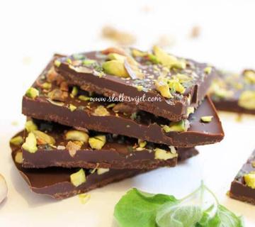 Čokoladne pločice s pistacijama i mentom