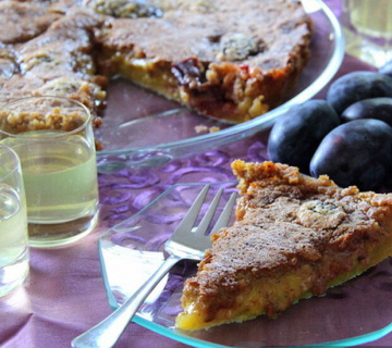 Tart sa šljivama, orasima i limoncellom