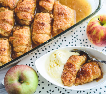 Kroasan rolade s jabukama u umaku od Sprite-a