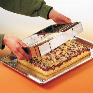 Rastezljivi kalup za kolač