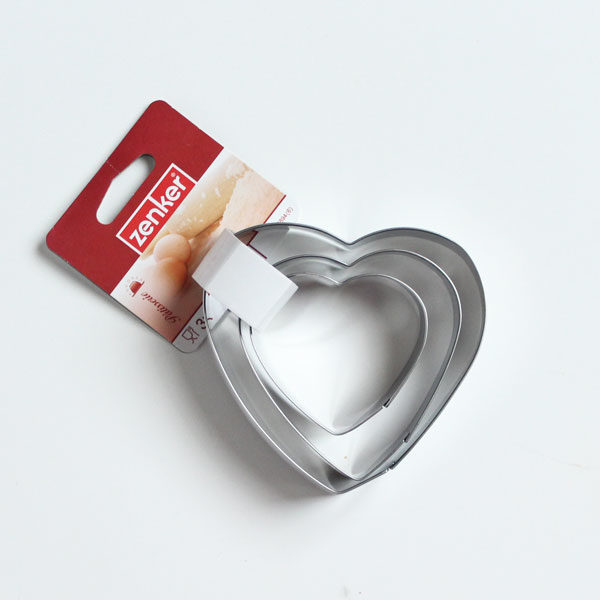 bozicni rezaci za keks srce