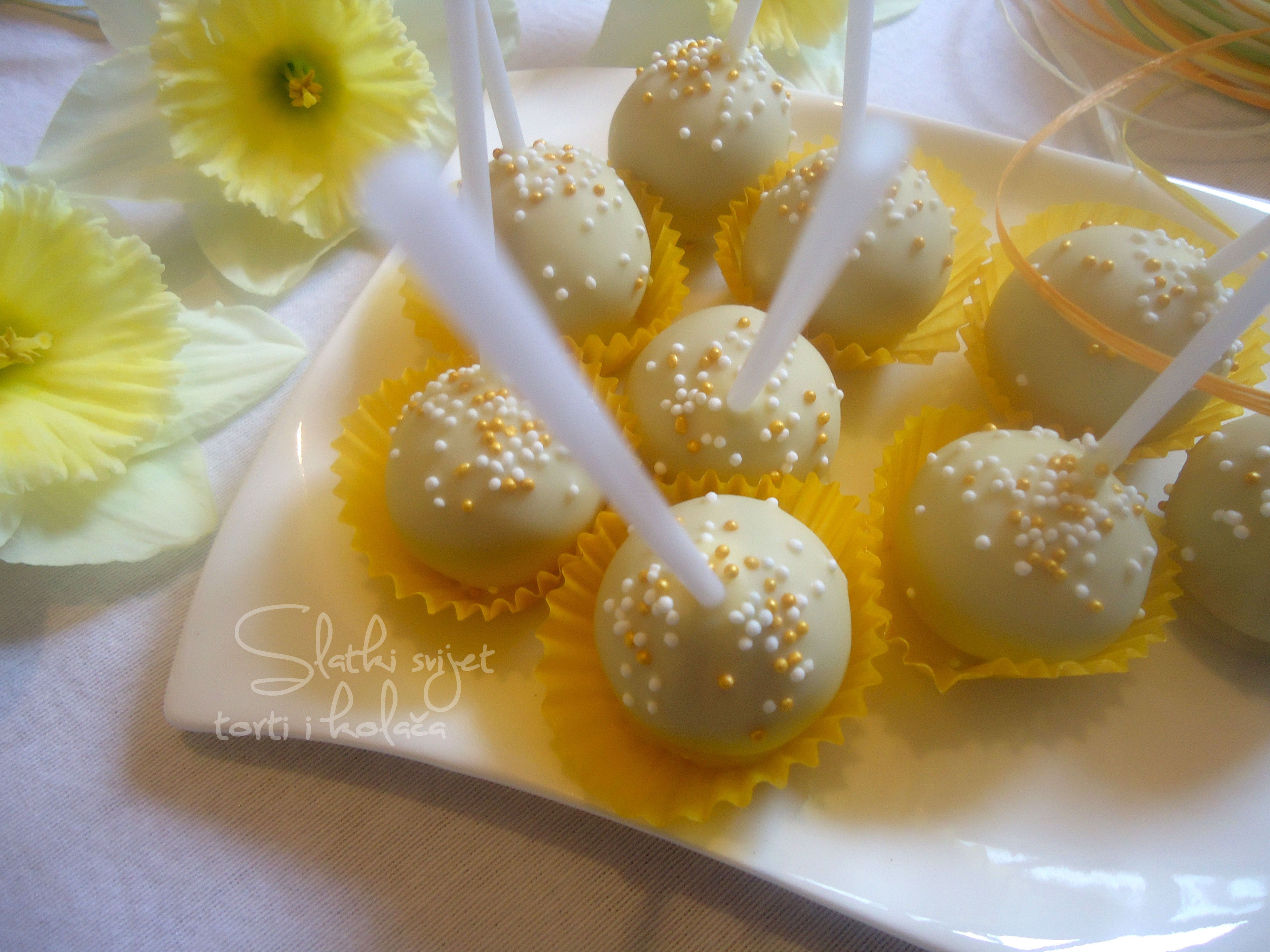 Vanilija cheesecake pops